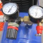 エアーコンプレッサー 圧力計