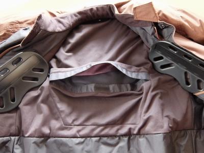 jkt-protecter-back-poket