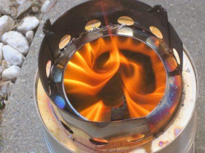 キャンプ用コンロ 安定して燃える