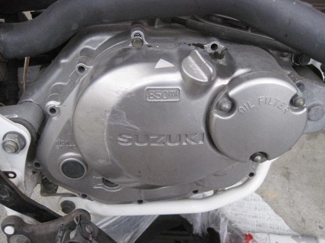 エンジンカバー ボルト